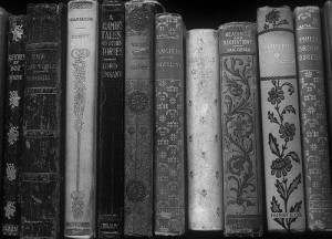 art-black-and-white-books-pretty-favim_com-4251782